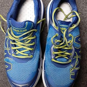 MEN'S HOKA ONE ONE RUNNING SHOES SIZE 10